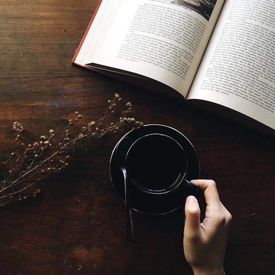 Libro e caffè