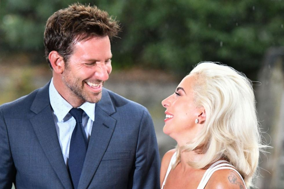 Lady Gaga e Bradley Cooper sul red carpet a Venezia 75